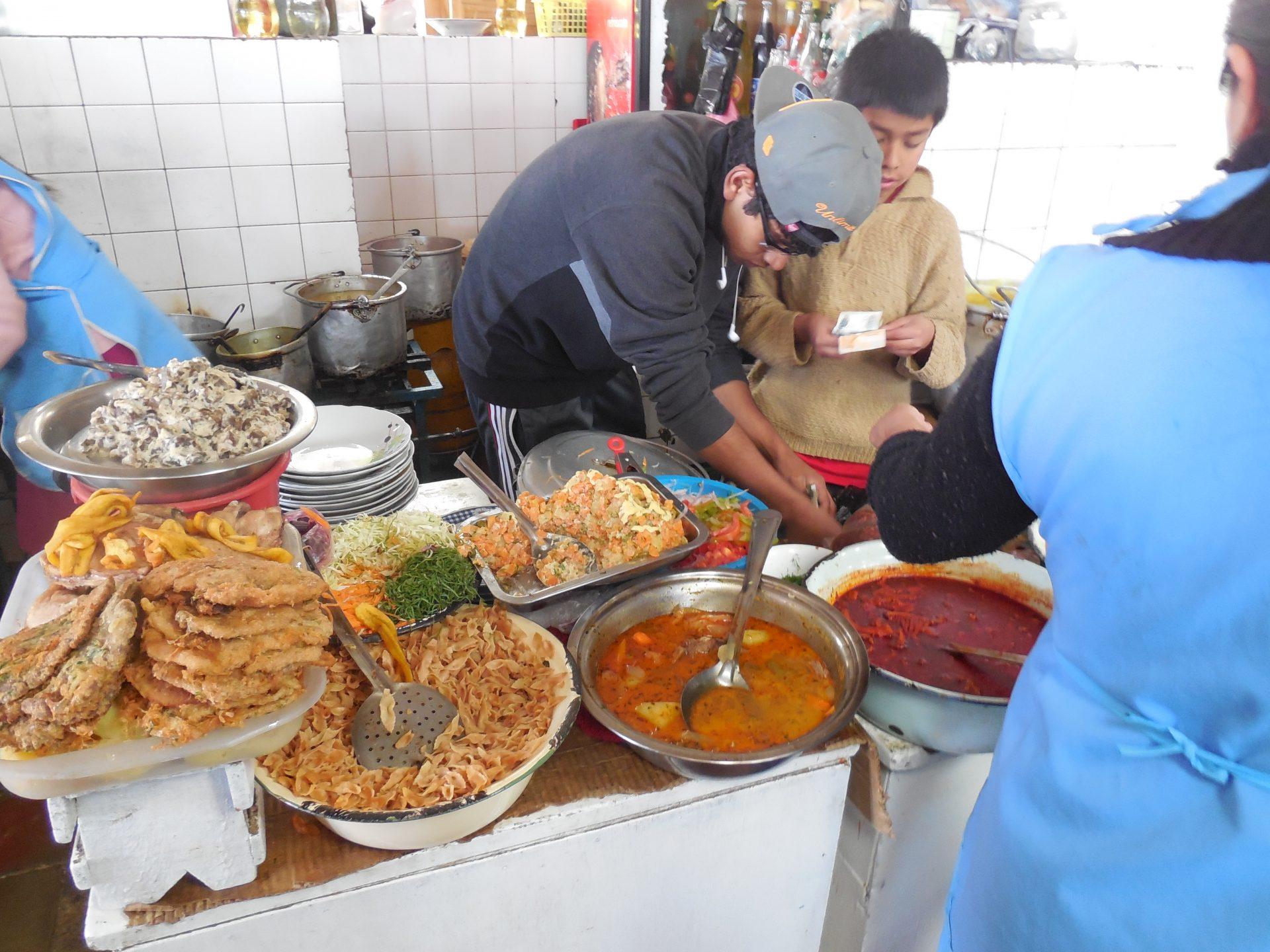 Mittagsessen Mondongo Bolivien Sucre Markt