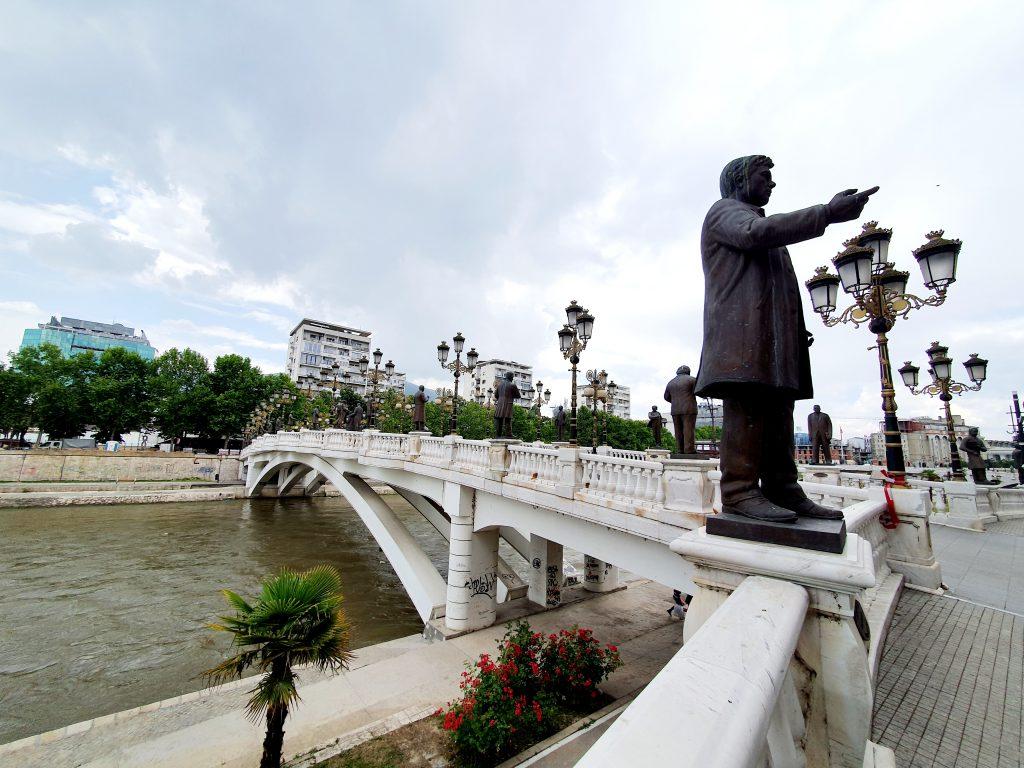 Sehenswürdigkeiten in Skopje Nordmazedonien Reise Urlaub Künstlerbrücke