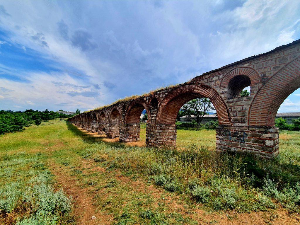 Aquädukt Skopje Nordmazedonien Sehenswürdigkeiten Nähe von Skopje