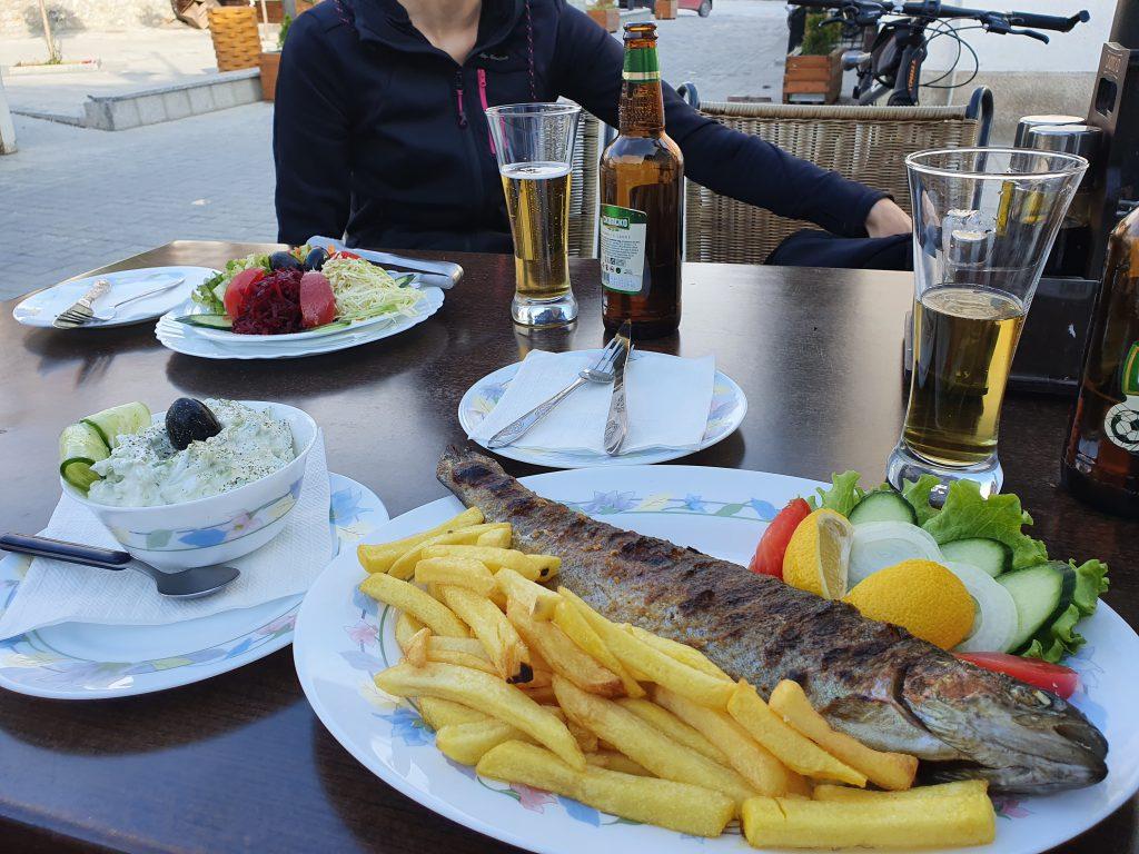 Essen und Trinken in Nordmazedonien Ohrid-See Ohrid-Forelle