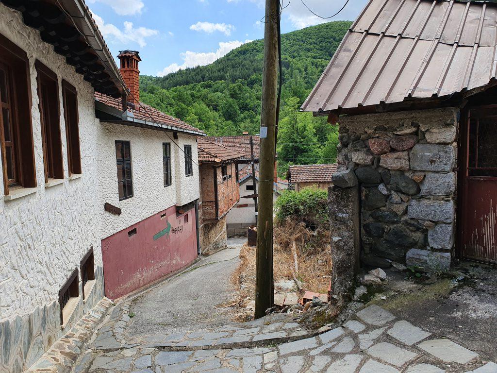 Republik Vevtschani Vevcani Dorf eigener Pass Währung Flagge Nordmazedonien